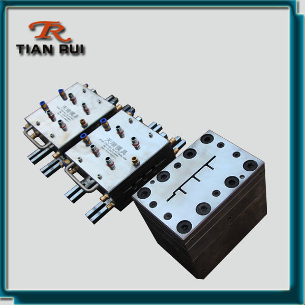 steel plastic co-extrusion mould
